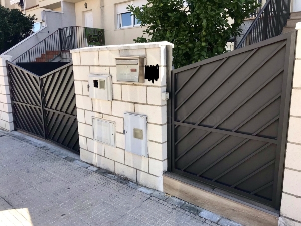 Puertas Viviendas en Hierro