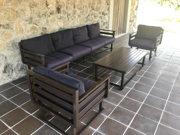 Mesa y sillones hierro