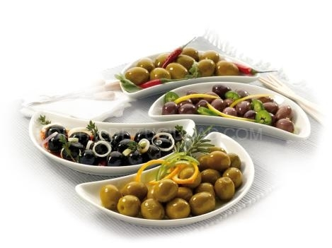 OLIVES: Whole and sliced olives