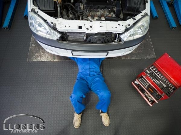 Taller Mercedes-Benz chapa y pintura Elche