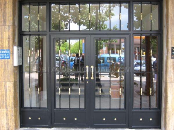 Puerta de comunidad Barcelona, Baix llobregat