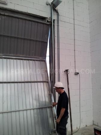 Mantenimiento puertas garaje Barcelona