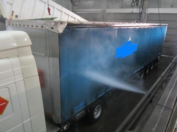 Lavado camiones a mano