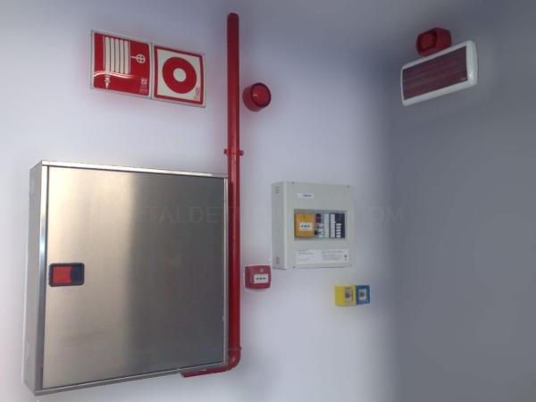 Instalación de alarma de incendios y BIE