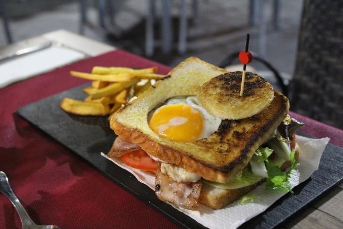 Destacado Sándwich de pollo