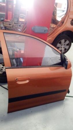 Puertas delanteras de Kia Picanto 2005