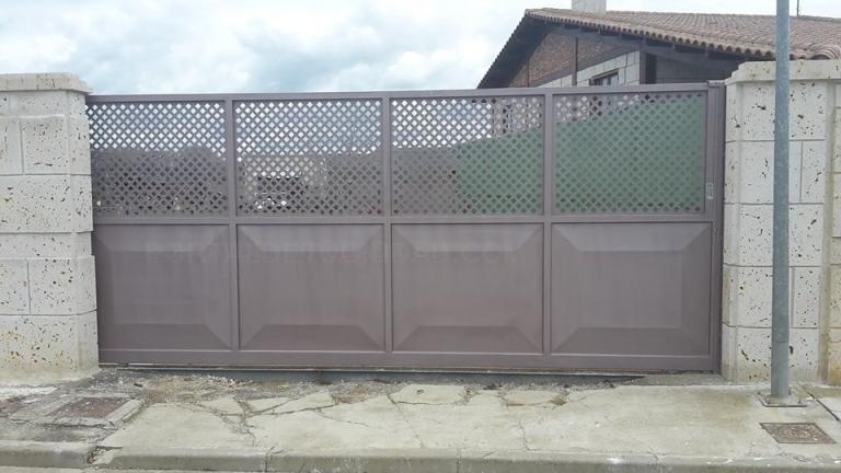 Puertas metálicas en Palencia Imagen 2