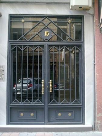 Puertas para comunidades en Palencia