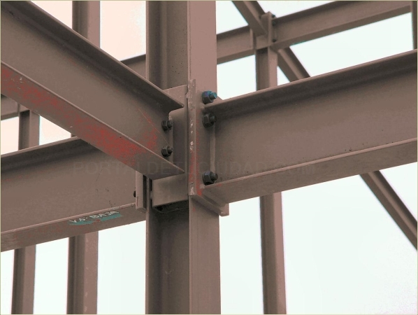atornillamientoas de estructuras en Palencia