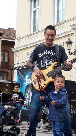 Aprender a tocar el bajo en Palencia