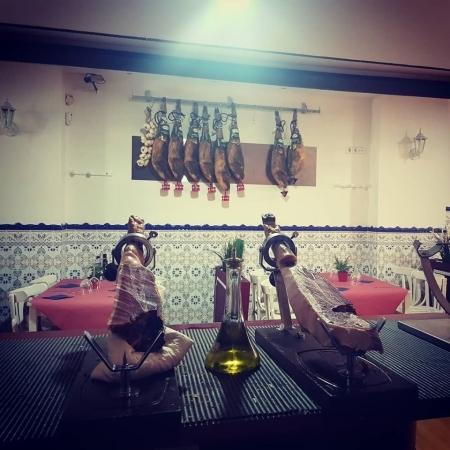 Jamón cortado a cuchillo en Palencia