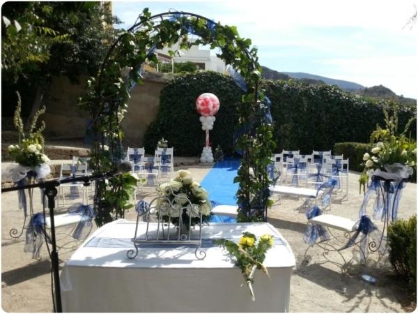 Complementos y diademas florales en Almuñécar