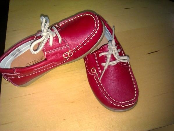 Zapato naútico rojo con cordón