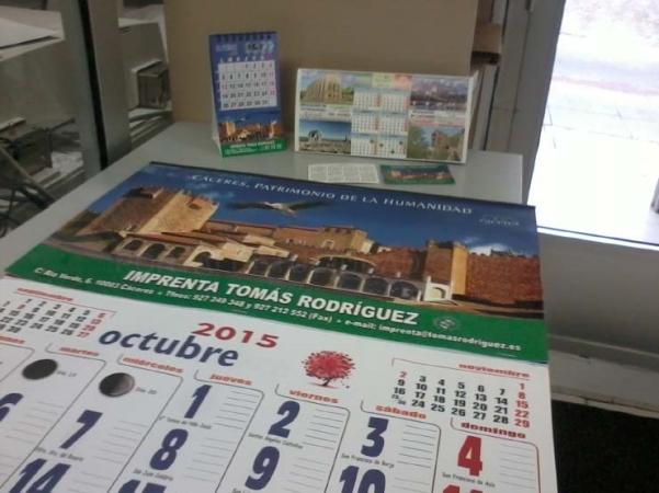 Calendarios de pared, calendarios de mesa, calendarios magnéticos, calendarios de bolsillo
