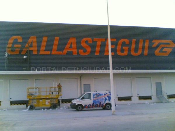 Rotulación fachada con pintura