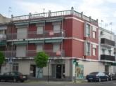 Dos pisos y terraza ref-100