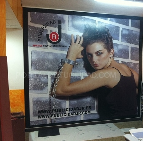 Imagen impresa digitalmente y fijada sobre pvc a pared Barcelona