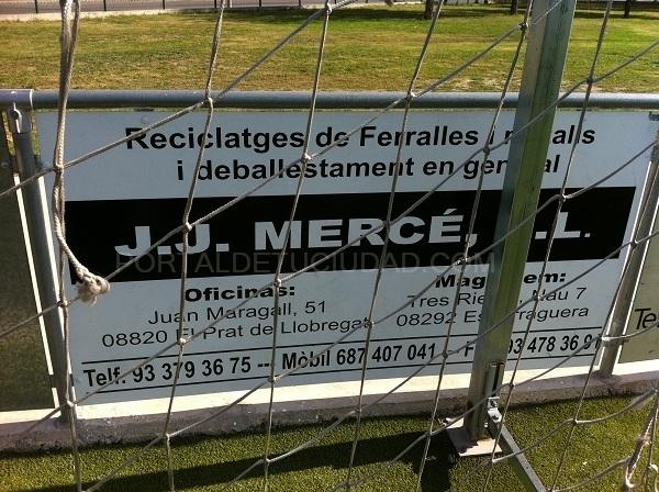 Pancarta campo de futbol en Barcelona