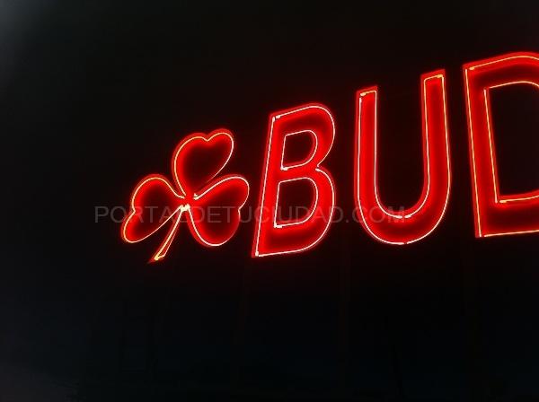 rotulos neon barcelona