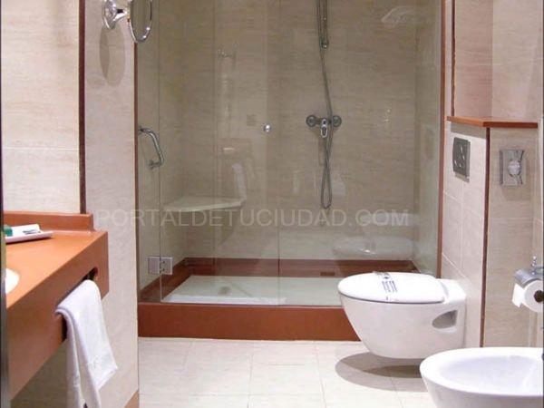 Reformar baño adaptado minusválidos Barcelona