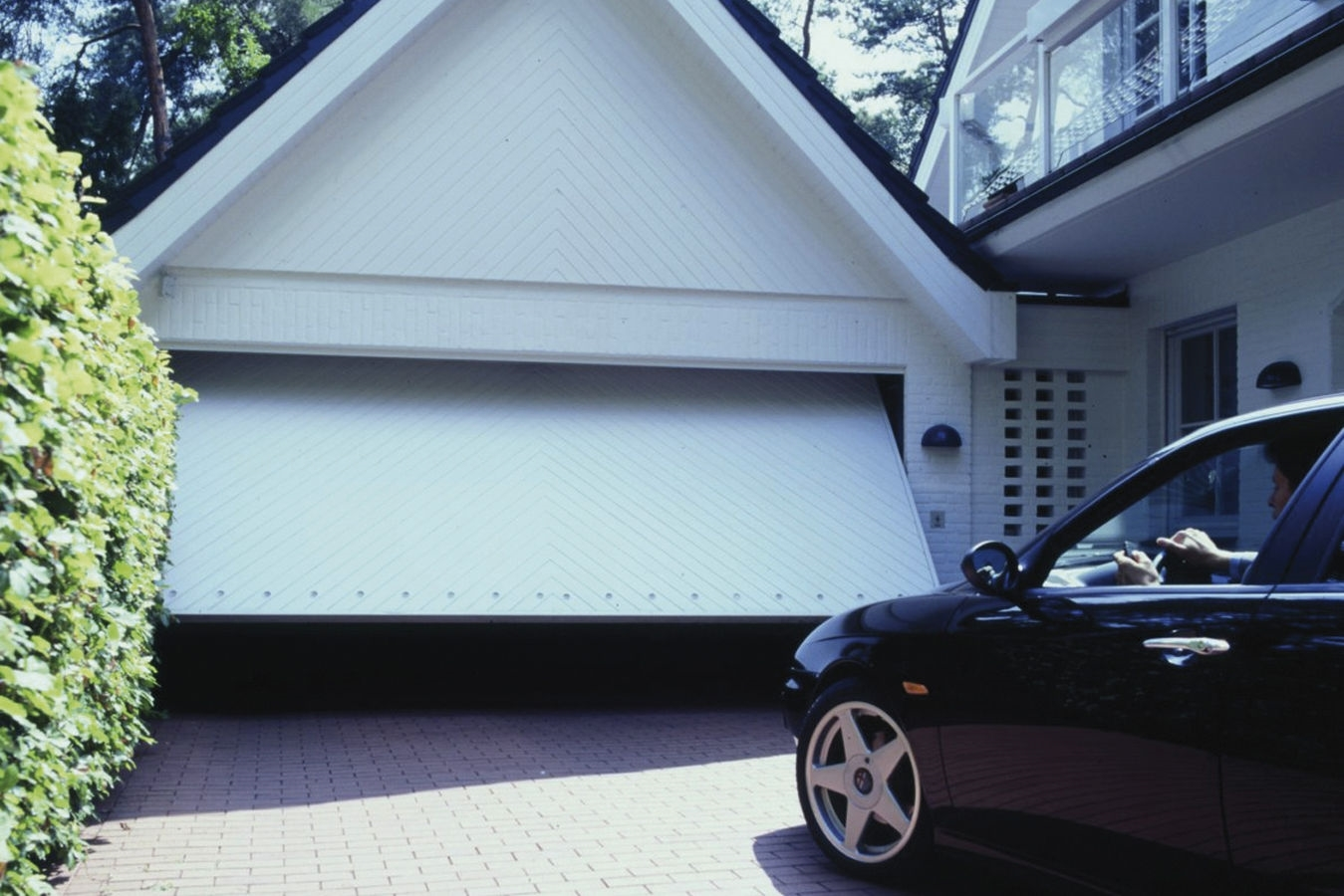 Puertas automáticas de garaje plegables