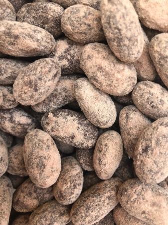 ALMENDRA TOSTADA, CHOCOLATE Y CACAO