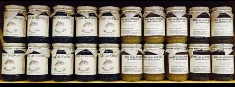 Miel natural de la colmena a la tienda